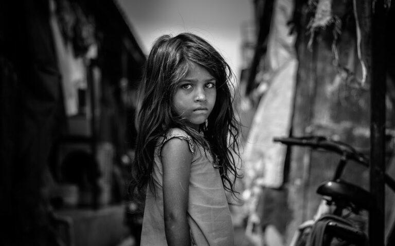 Può la religione torturare i bambini per farli diventare buoni?