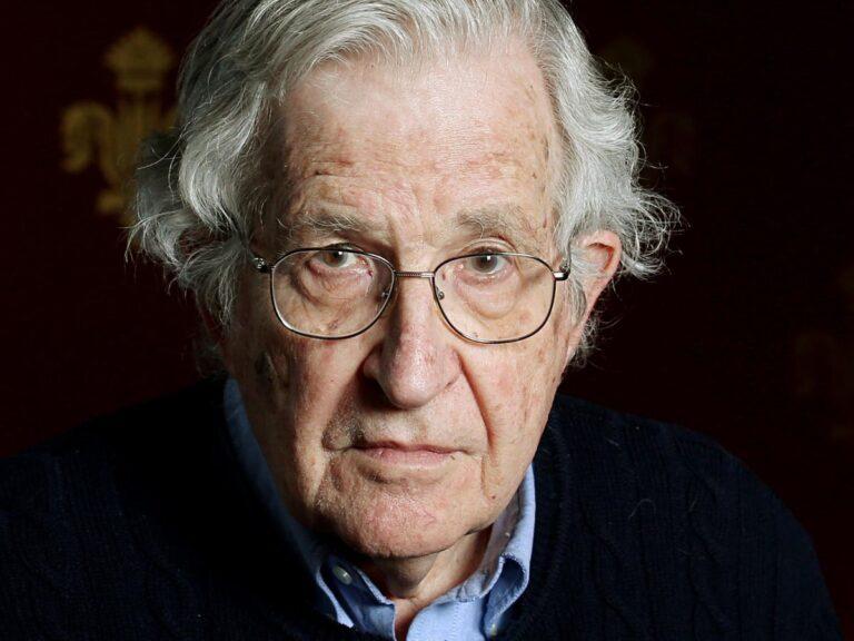 Le 10 strategie di manipolazione mediatica di Chomsky – Parte 2