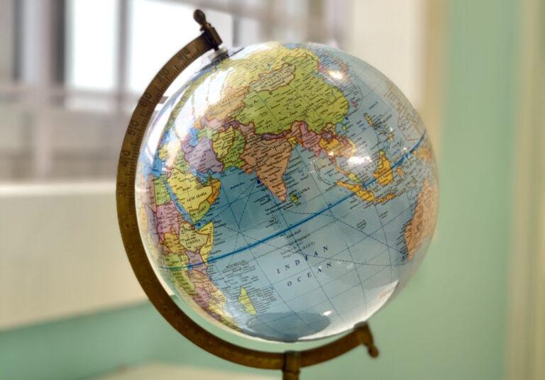 Il potere mondiale si sposta. Egemonia. Liberalismo. Multipolare. Cosa significano?